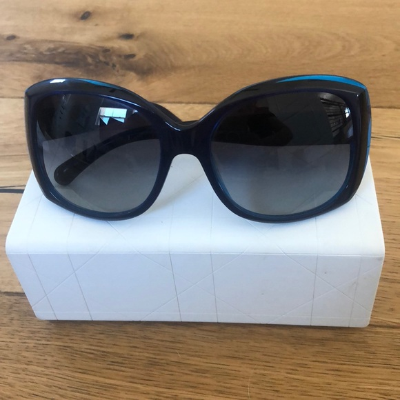 CHANEL Accessories - 100% Authentic Chanel Blue Sunglasses